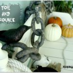 Easy Halloween Decorations for a Front Porch
