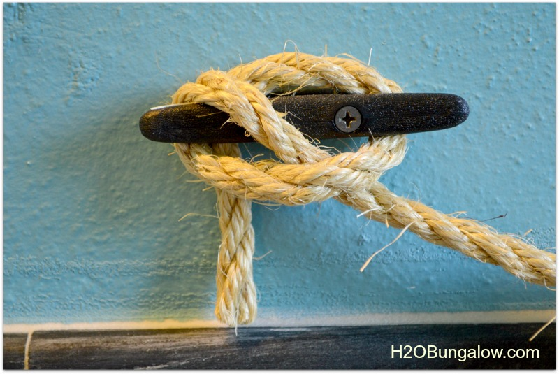 knot on diy naiutical towel holder