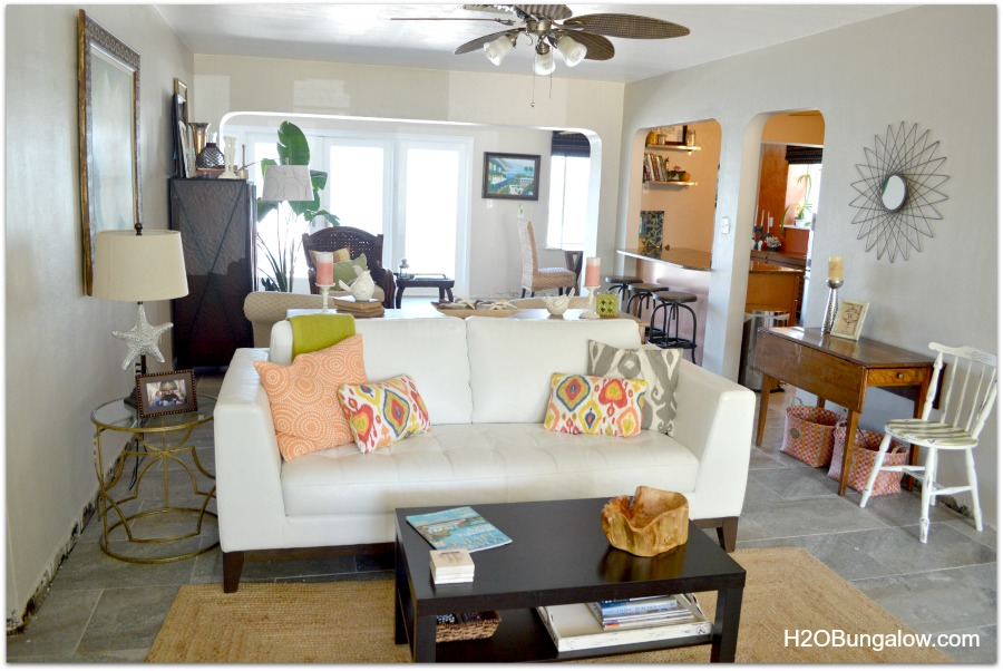 Tips for decorating a small space to make it feel larger - How to decorate a small living room space ...