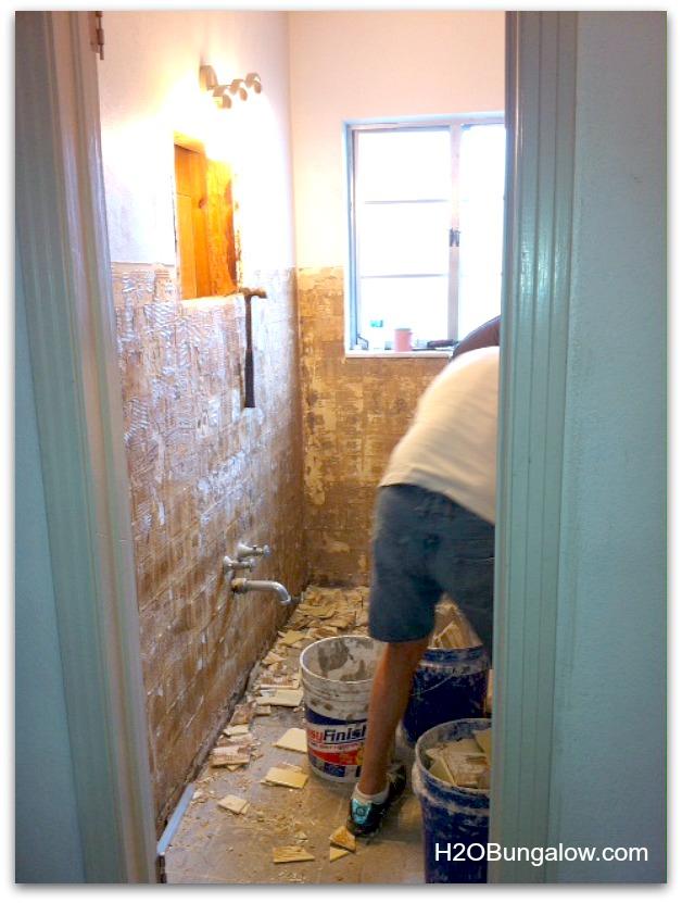 Creative-small-bathroom-makeover-H2OBungalow