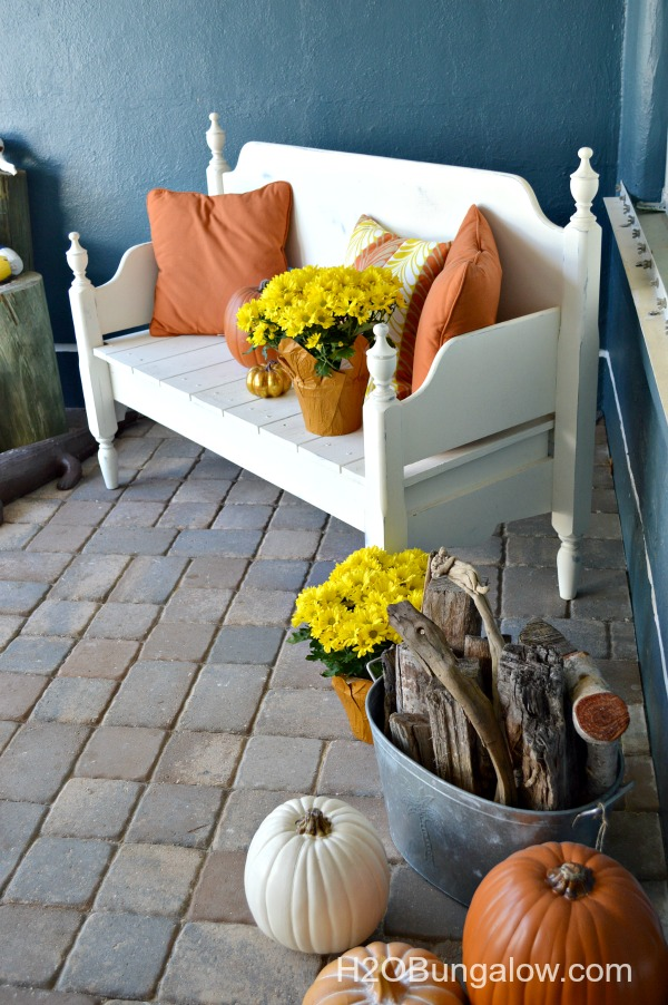 Fall-Front-Porch-H2OBungalow