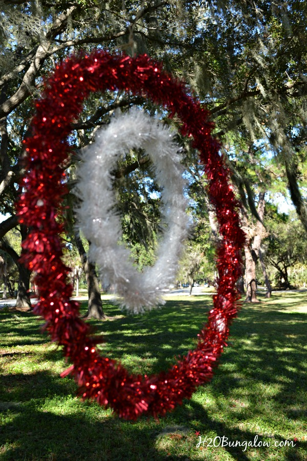 Extra large outdoor christmas decorations photograph took for Large outdoor christmas displays