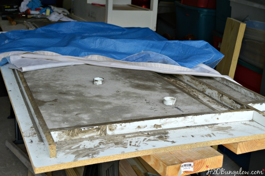 Dry DIY concrete in mold