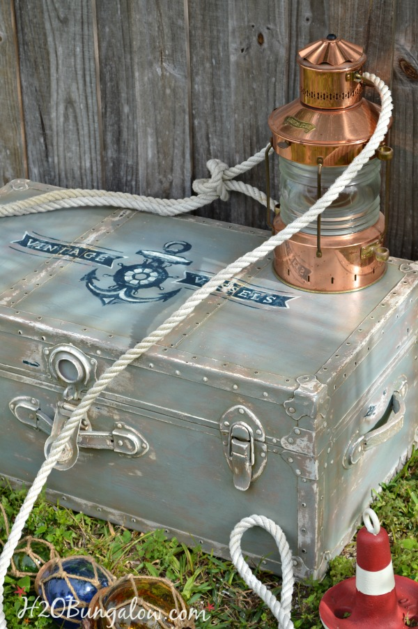 Nautical-inspired-trunk-with-painted-vintage-anchor-graphic-H2OBungalow