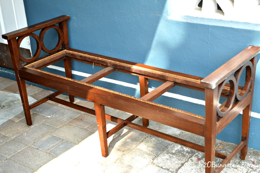 Before-makeover-on-coastal-bench-H2OBungalow