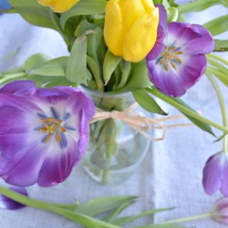 How-to-make-cut-flowers-last-longer-H2OBungalow