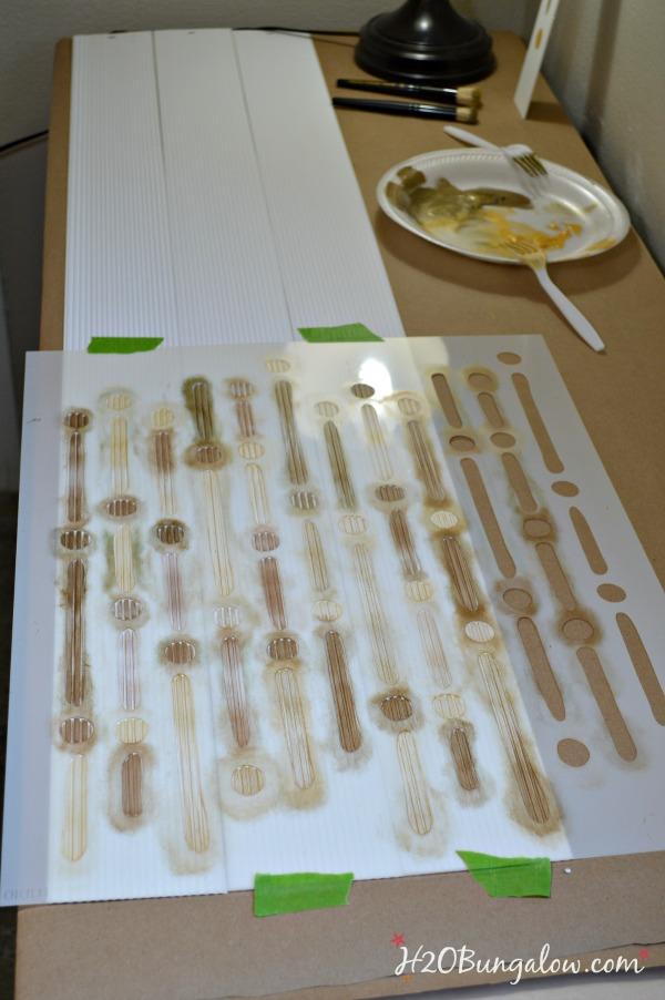 Stenciling-vertical-blind-slats-tutorial-H2OBungalow