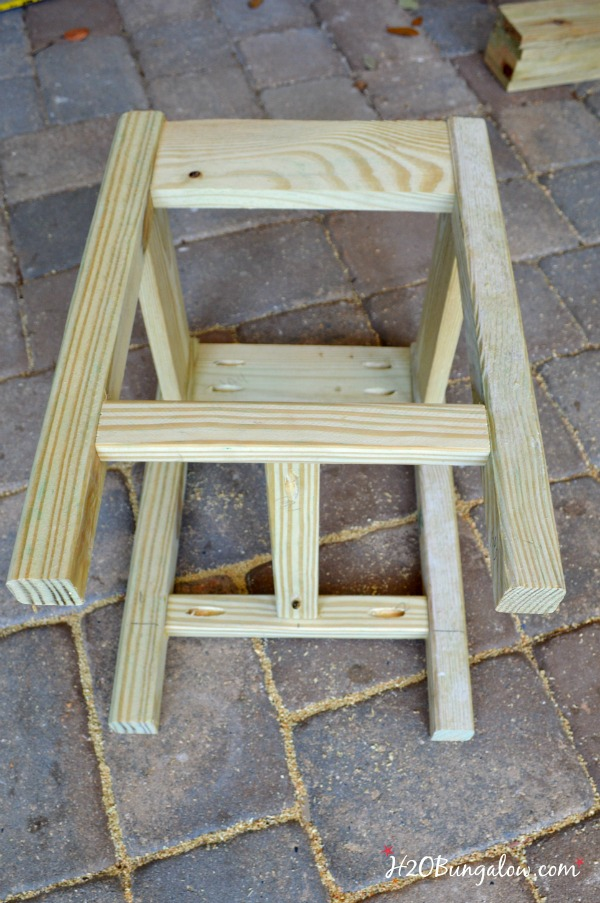 DIY outdoor patio or deck table H2OBungalow