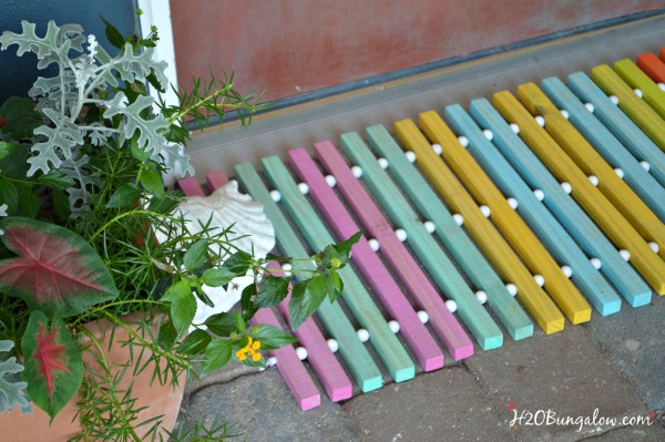 DIY summer wood doormat for the One Power Tool Challenge making a project with only 1 power tool. This round is a drill. See 12 other star bloggers linked who share their fabulous drill projects too. Good beginner tool projects to make and use! H2OBungaloe #onepowertoolchallenge #build #tools
