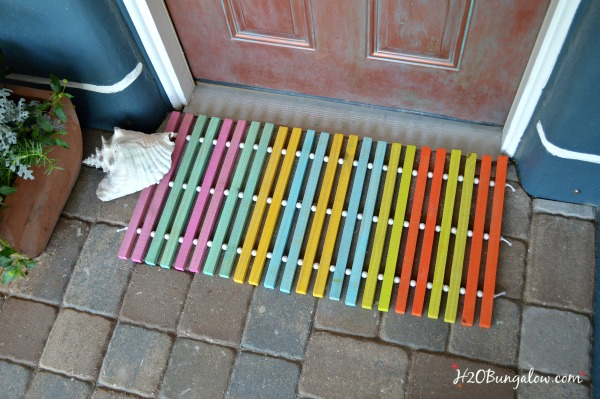 DIY summer wood doormat for the One Power Tool Challenge where each blogger makes a project with only 1 power tool.  This round is a drill.  See 12 other star bloggers  linked who share their drill projects too. Good beginner tool projects to make and use!  H2OBungalow #onepowertoolchallenge #build #tools