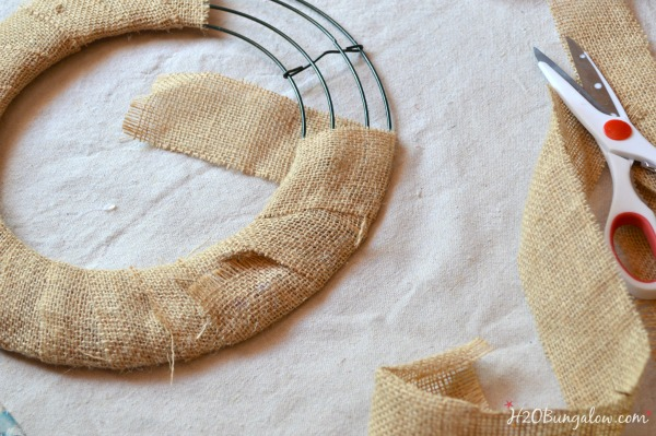 Driftwood and seashell DIY wreath tutorial H2OBungalow