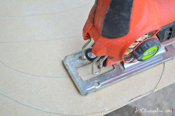 DIY-wood-cut-out-letter-tutorial-H2OBungalow