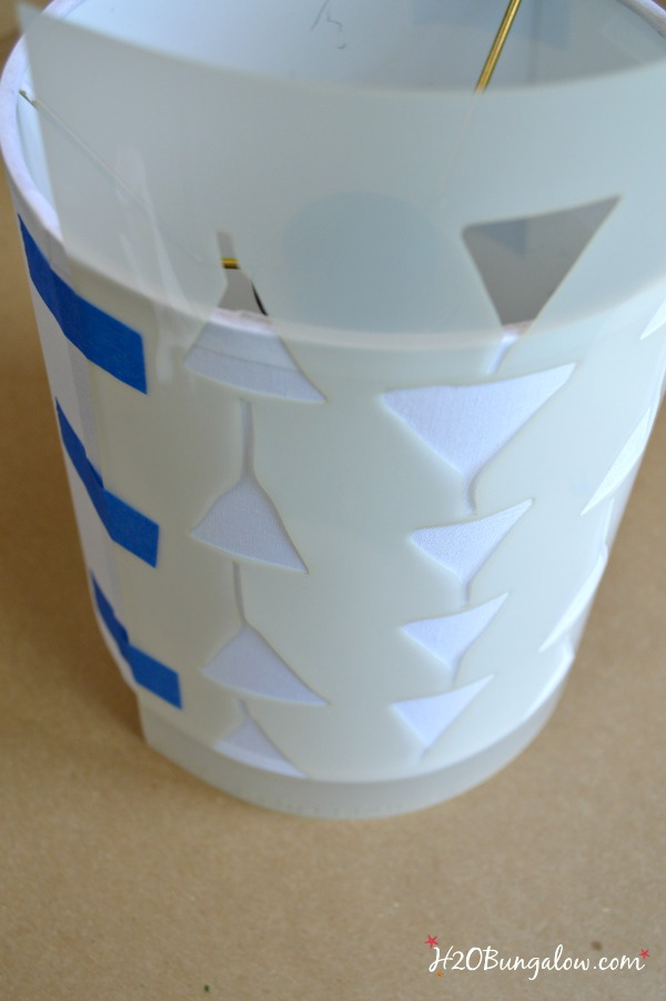 DIY tutorial on how to stencil a lampshade by H2OBungalow