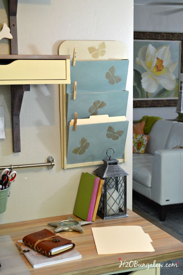 DIY easy build wall mounted file folder holder. Simple beginner project with just a jigsaw. Free template included in post. H2OBungalow #onetoolchallenge