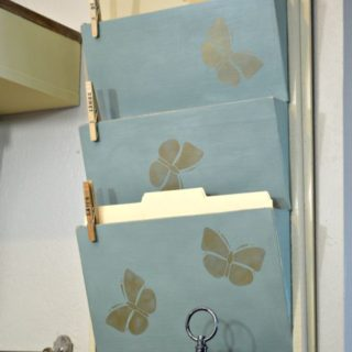 Easy build wall file folder holder. Build this cute and functional file holder with only a jigsaw. part s are glued together. Great beginner build project. H2OBungalow.com #onetoolchallenge
