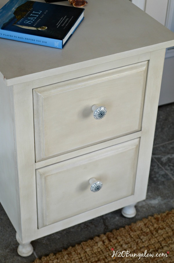Tutorial-how-to-age-white-furniture-with-Amy-Howard-Paint-Products-H2OBungalow