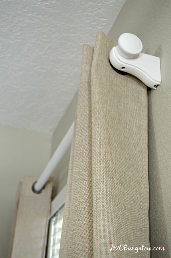 Easily hang curtains in 5 simple steps you can do and remember for next time. This method works great for other projects too! www.H2OBungalow.com