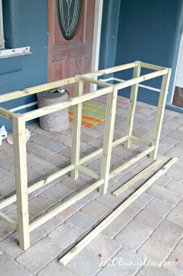 Frame-for-DIY-wood-outdoor-sofa-table-H2OBungalow
