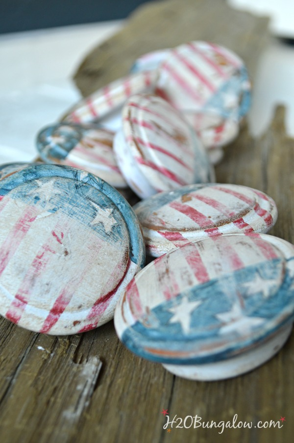 Favorite patriotic DIY projects that will inspire your next red white and blue project. Lists furniture makeovers to home decor and dessert too. Find this and over 450 inspiring DIY projects in home decor and home improvement at H2OBungalow.com