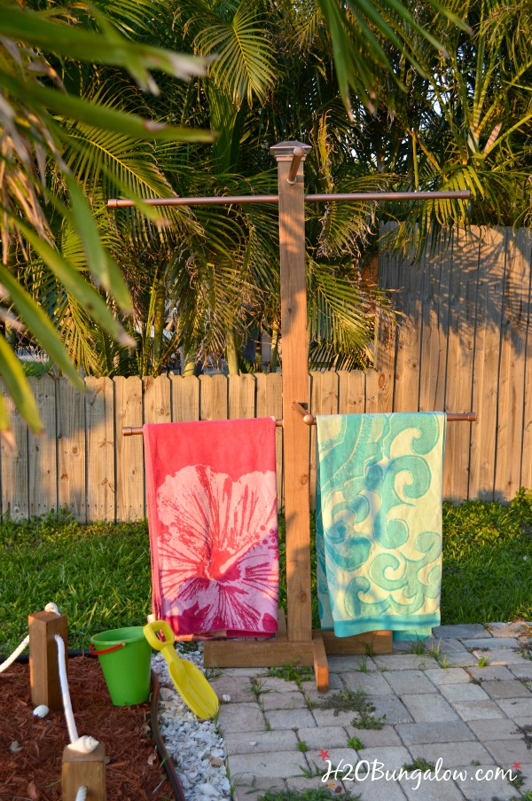 DIY-standing-outdoor-towel-rack-H2OBungalow