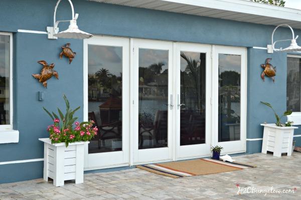 double-door-coir-DIY-spray-painted-doormat-tutorial-H2OBungalow