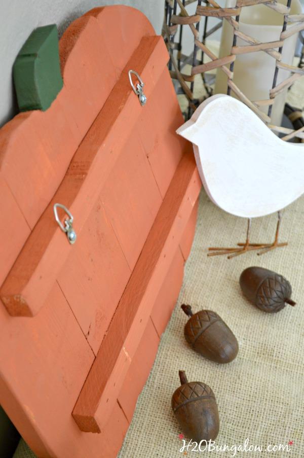 DIY-hanging-wood-pumpkin_H2OBungalow