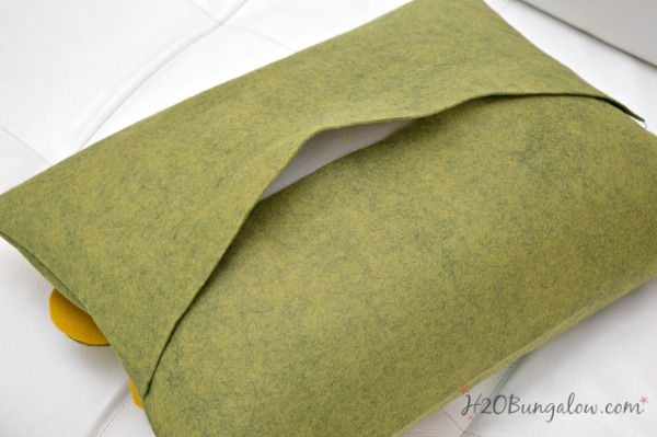 how-to-make-envelope-style-felted-wool-throw-pillows-h2obungalow