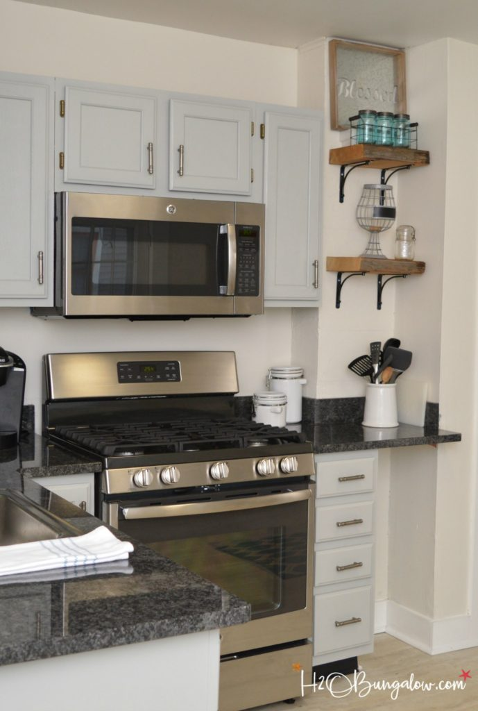Step by step guide how to paint kitchen cabinets h20bungalow - Easy steps for a kitchen makeover ...