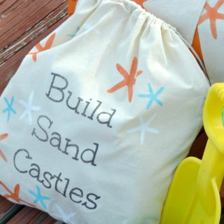 Stenciled DIY canvas starfish beach bags tutorial. Make a set of canvas totes with your printer and stencils to personalize your summer beach totes. Love this project? Find over 450 creative DIY projects for the home at H2OBungalow.com