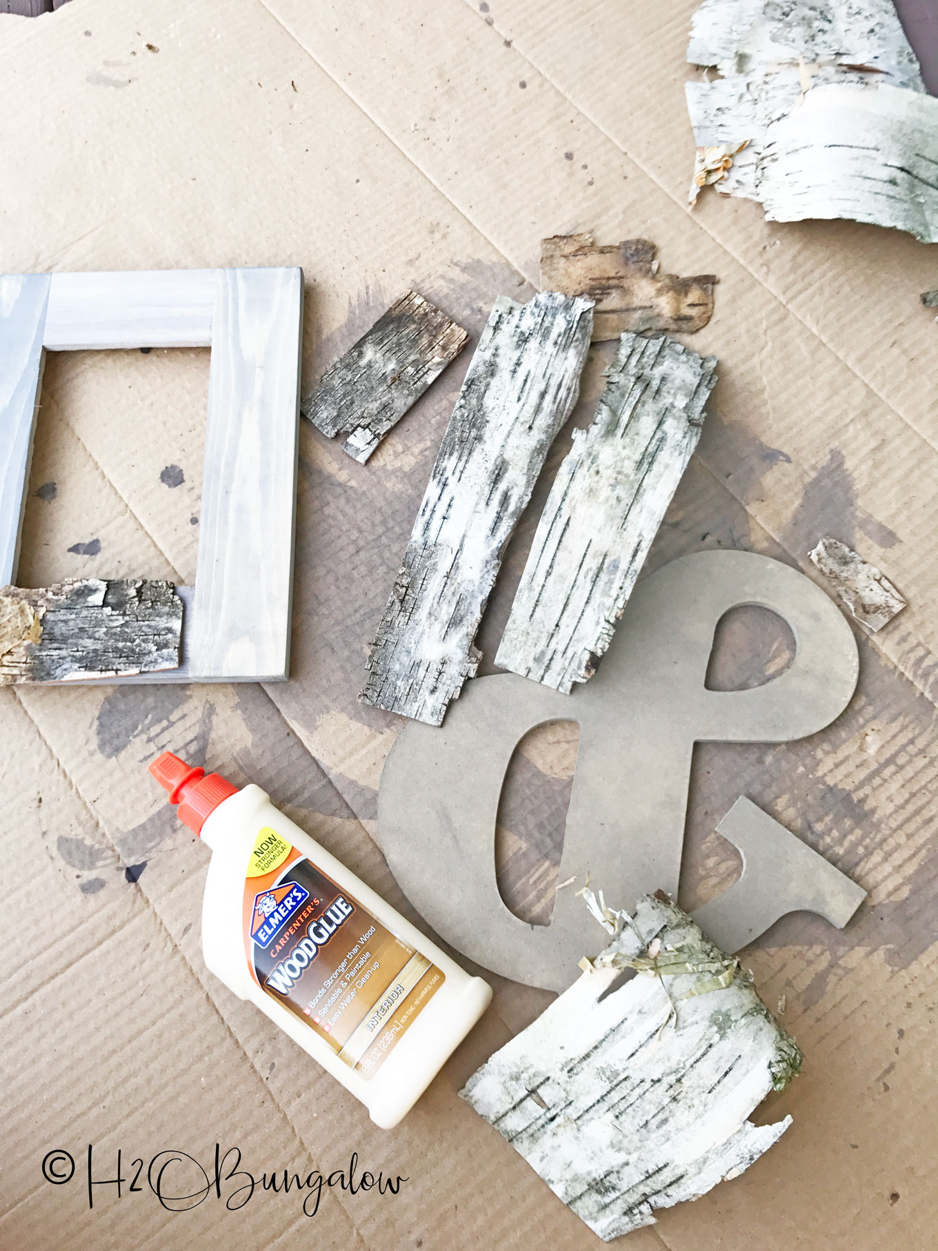 Bark Craft Idea To Make A DIY Birch Bark Picture Frame. Easy Tutorial To  Follow