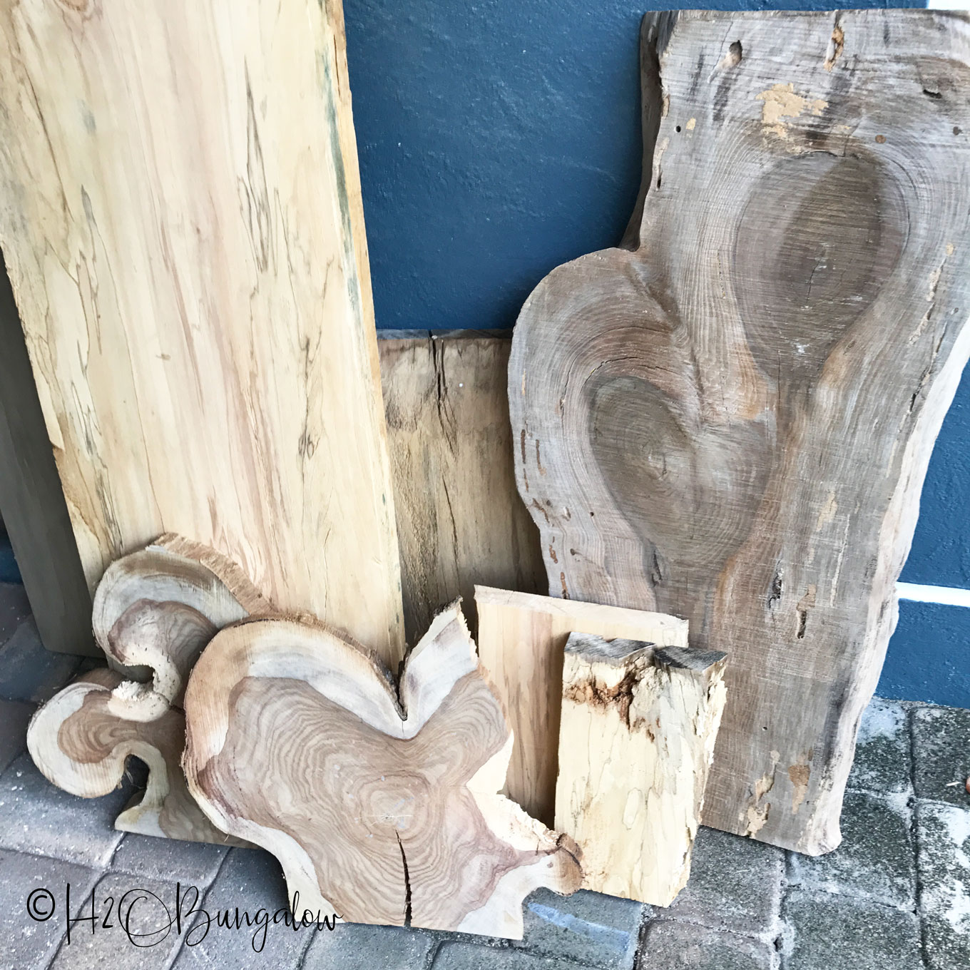 Picture of: Diy Rustic Coffee Table Tutorial H2obungalow