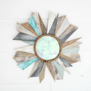 Every beach house neads weathered wood! Find 12 more fresh and trendy beach house decor ideas that you can DIY. Tutorials for coastal decor and beach themed home decor, beach cottage decor and modern coastal.