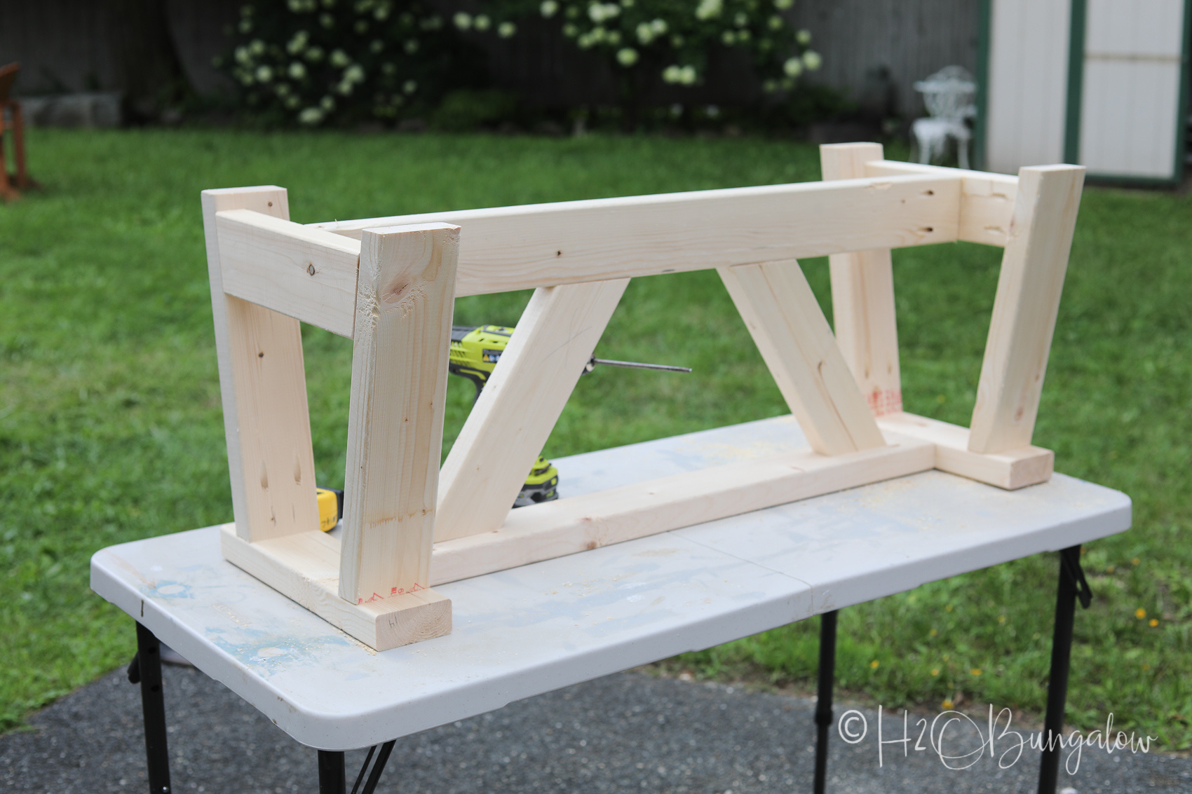 finishing tips for a DIY modern rustic wood bench tutorial