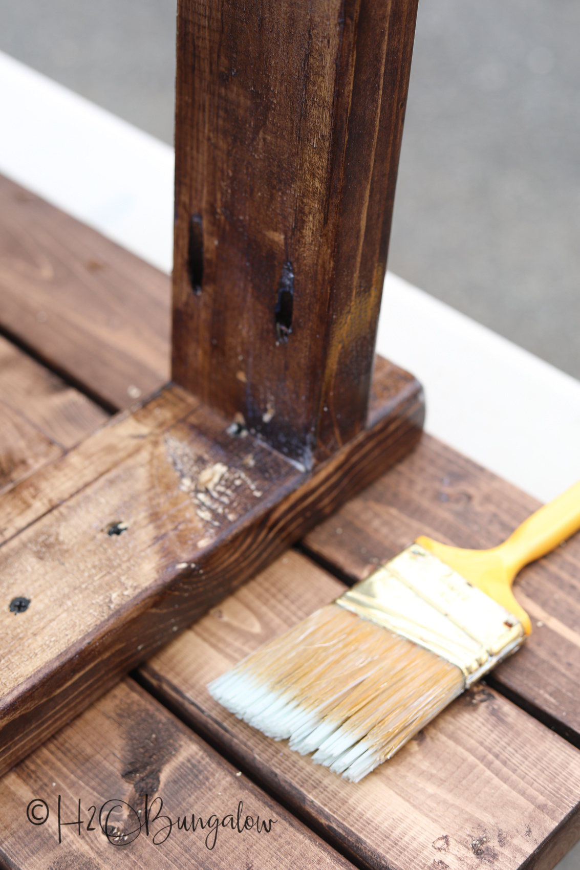 more finishing tips for DIY modern rustic wood bench tutorial