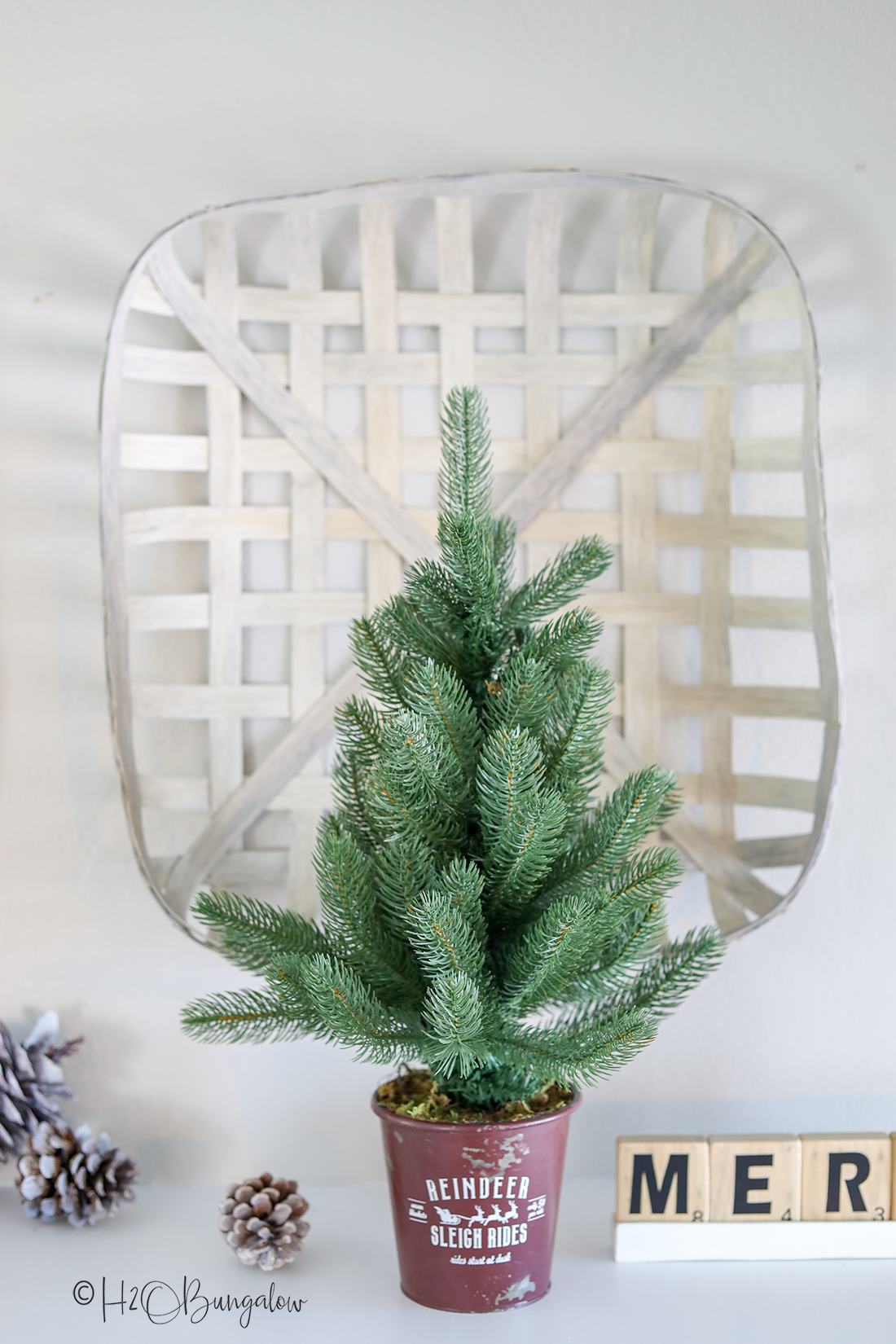 DIY tobacco decorating for the holidays