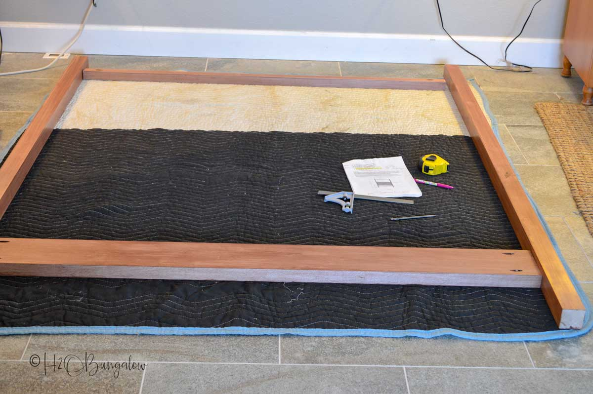 Tutorial and plans for DIY queen bed frame