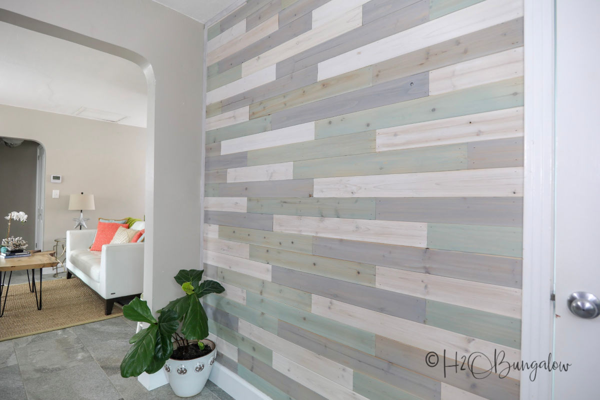 make a DIY multi colored wood plank wall with this video and tutorial