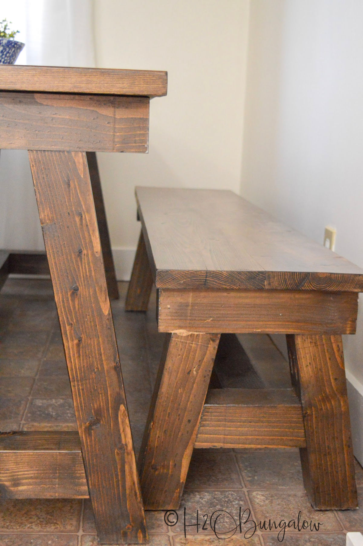 How To Build A Diy Farmhouse Table H2obungalow
