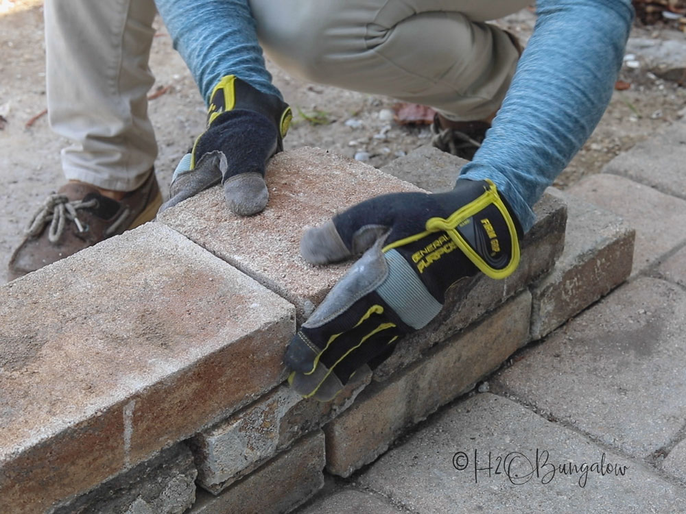 how to stack pavers for garden edging