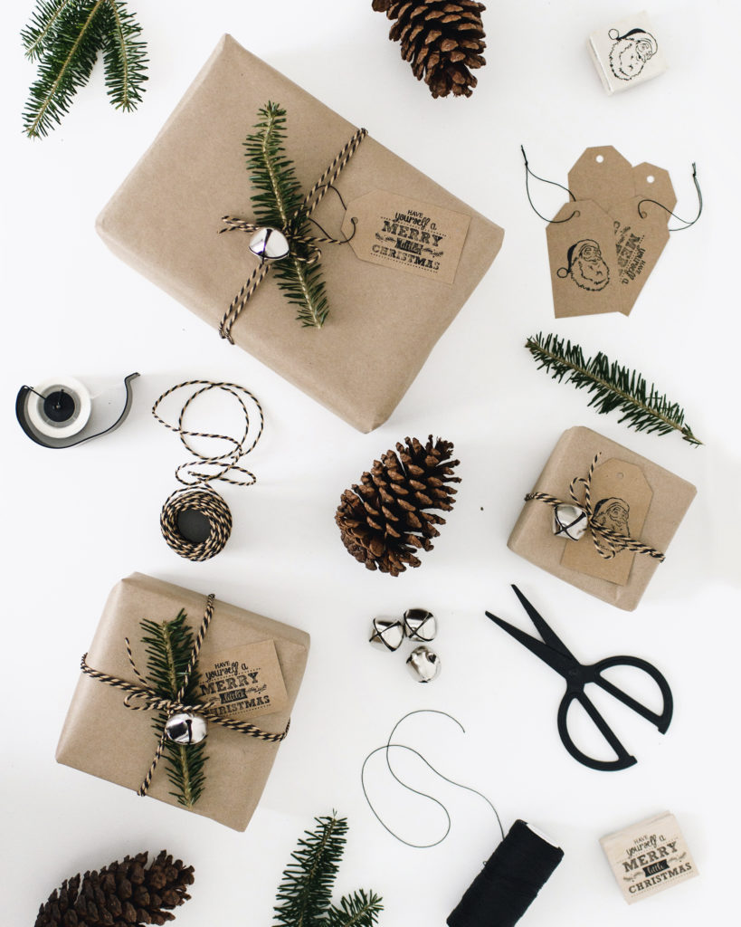 rustic craft paper gift wrapping idea