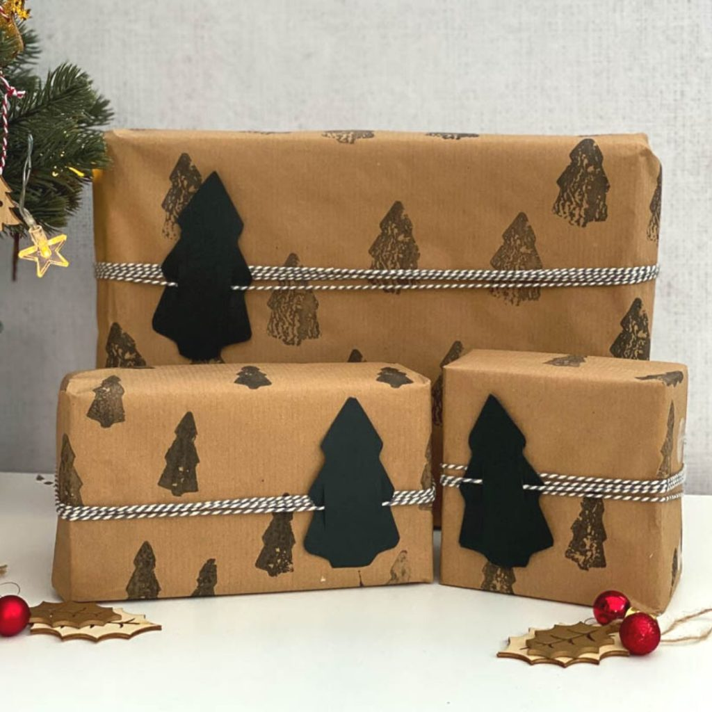 tree gift wrap idea