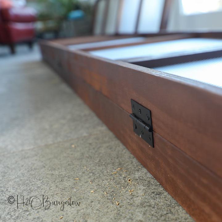 hinges on wood