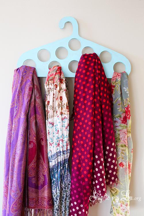 diy scarf organizer