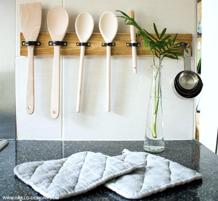 wooden spoon holder